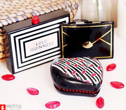 王妃同款:Tangle Teezer & Lulu Guinness 美发梳 13.5英镑